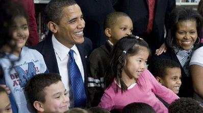 2009-02-03_obama_reads_with_school_children_post
